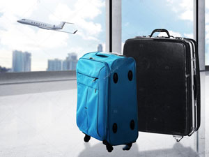 depositphotos_79571250-stock-photo-travel-bag-on-the-airport